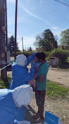 Nemocnica Levice realizovala plošné testovanie obyvateľov  osady v katastri obce  Hronské Kosihy na koronavírus COVID-19