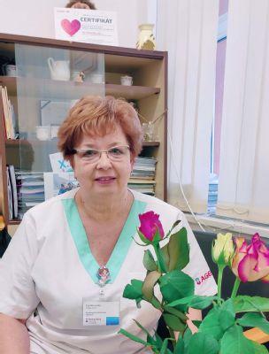 V levickej nemocnici pomáha Eva Moravská už takmer 50 rokov bábätkám pri príchode na svet