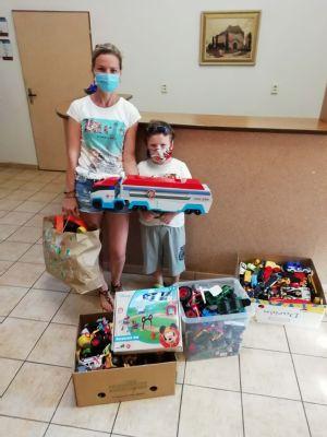 Šľachetný čin len 5-ročného Miška. Svoje hračky daroval deťom v nemocnici.